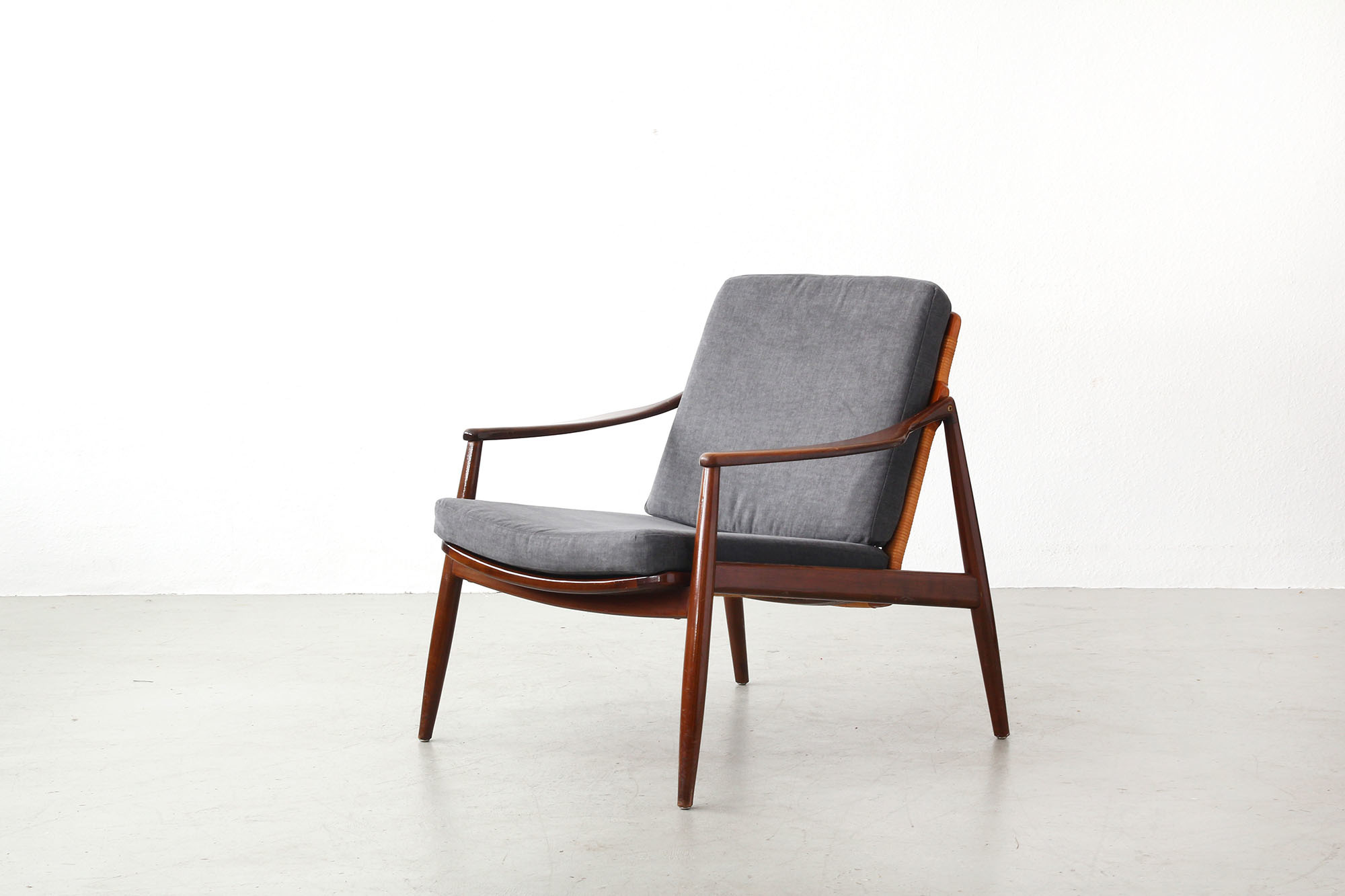 Galerie Bachmann • Easy Chair by Hartmut Lohmeyer for Wilkhahn