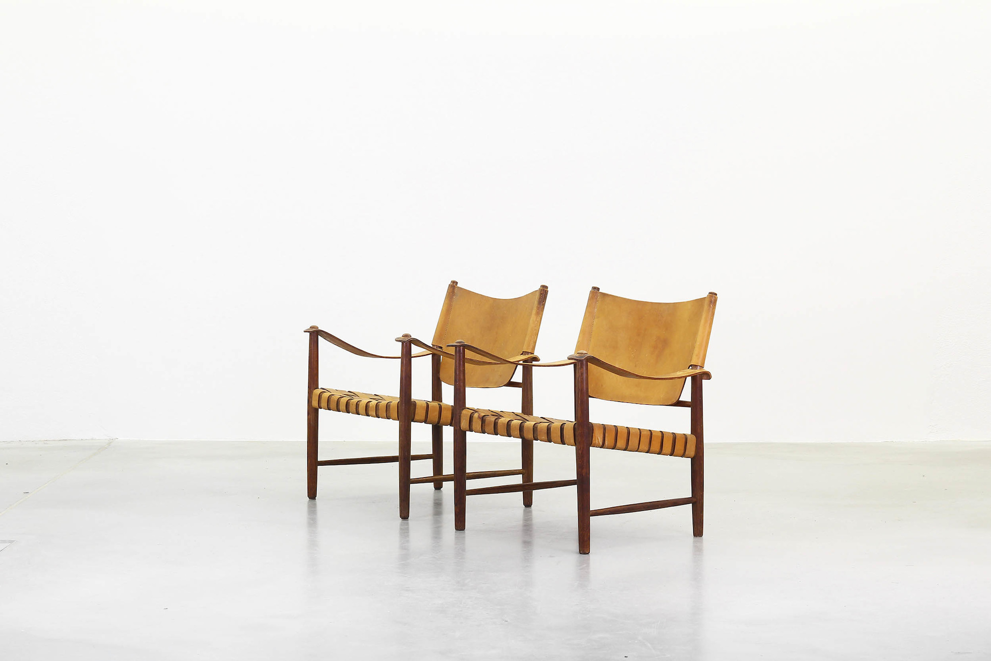 Galerie Bachmann • A pair of Lounge Safari Chairs