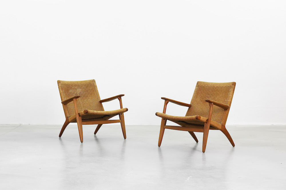 Galerie bachmann lounge chairs by hans j wegner for for Lounge chair kopie